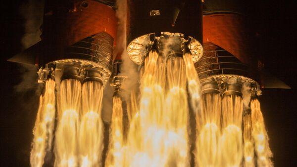 Пуск ракеты-носителя Союз-2.1б с разгонным блоком Фрегат и 34 космическими аппаратами OneWeb на борту с космодрома Байконур