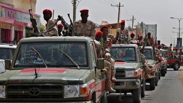 Суданские военнослужащие из формирования Силы быстрой поддержки в Хартуме, Судан