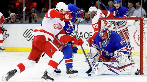 Игорь Шестеркин в матче регулярного чемпионата НХЛ.