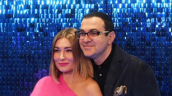 Телеведущий Гарик Мартиросян с супругой Жанной на премьере фильма Лёд 2