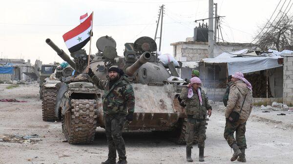Сирийские военные на трассе Дамаск — Алеппо