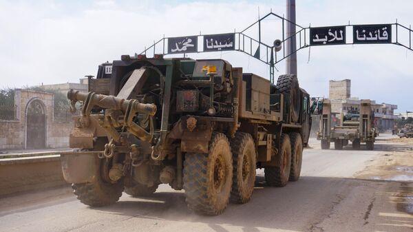 Конвой турецкой военной техники движется в направлении города Идлиб. 10 февраля 2020