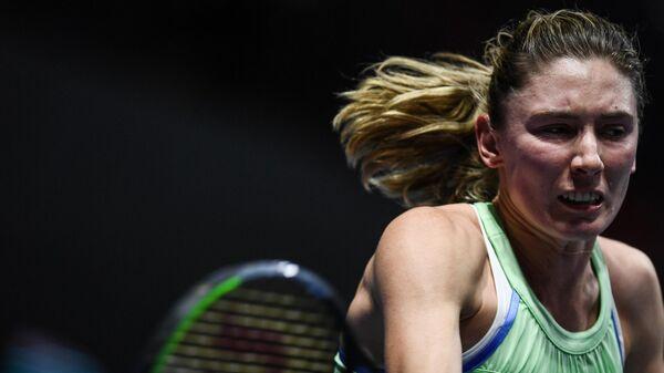 Екатерина Александрова (Россия) в матче женского одиночного разряда на турнире St.Petersburg Ladies Trophy 2020 против Дарьи Касаткиной (Россия).