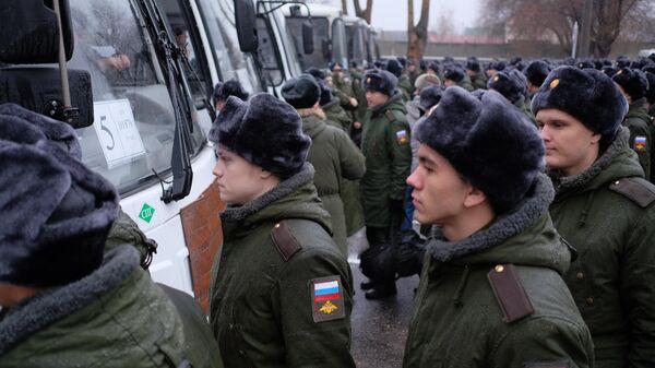 Призывники в сборном пункте военного комиссариата в городе Сызрань