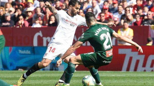Игровой момент матча Севилья - Эспаньол
