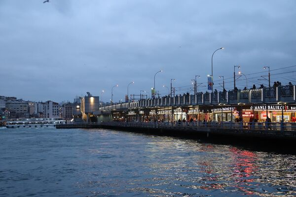 Галатский мост в Стамбуле, Турция
