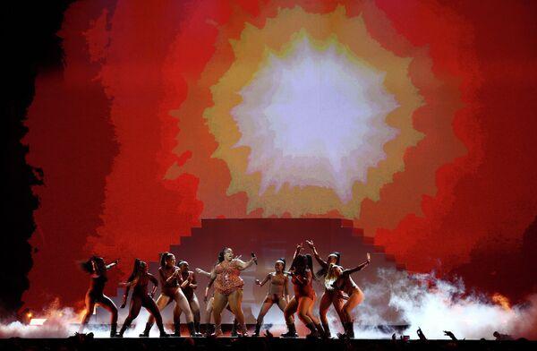 Певица Лиззо на церемонии вручения премии Brit Awards в Лондоне