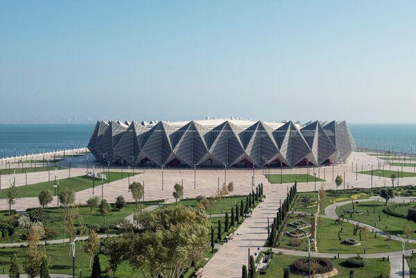 Здание концертного зала Baku Crystal Hall в Баку
