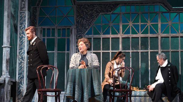 Сцена из спектакля Варвары в Малом театре