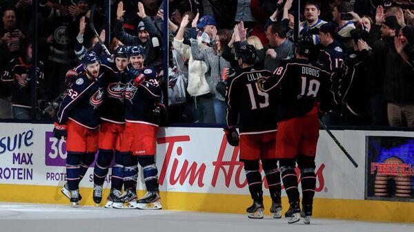 Хоккеисты Коламбус Блю Джекетс в матч НХЛ против Оттавы Сентаорз