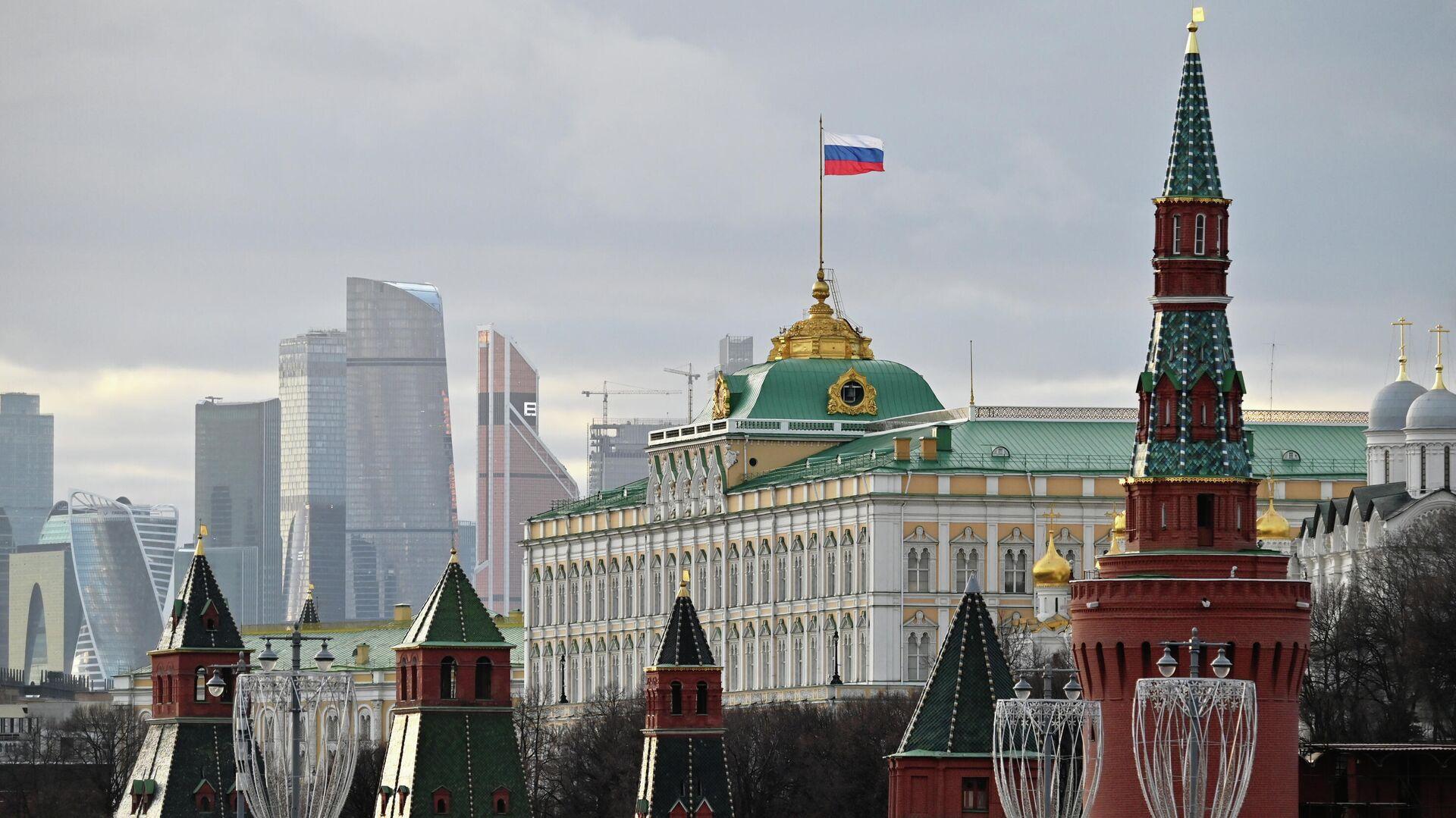 Все декларации чиновников поданы в срок, заявили в Кремле