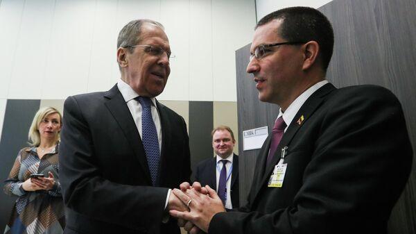 Министр иностранных дел РФ Сергей Лавров  и министр иностранных дел Венесуэлы Хорхе Арреаса во время встречи в Женеве. 25 февраля 2020