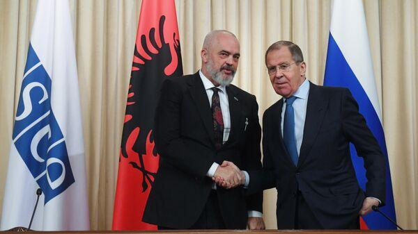 Министр иностранных дел РФ Сергей Лавров и премьер-министр, министр европейских и иностранных дел Республики Албания, действующий председатель ОБСЕ Эди Рама