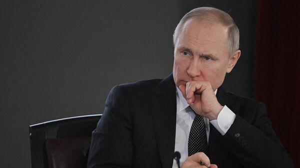 Песков рассказал, как Путин готовится к мероприятиям