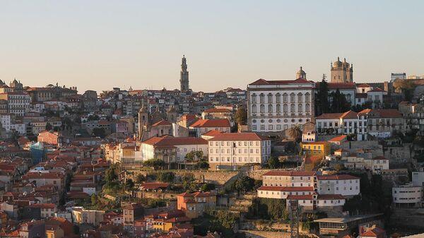 Вид на город Порту в Португалии