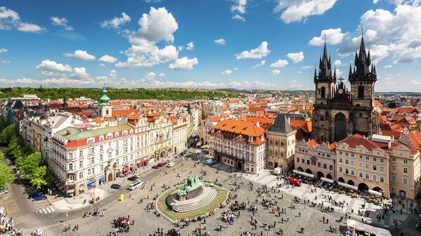Вид с башни ратуши на Староместской площади в Праге
