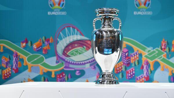 Кубок Анри Делонэ - трофей, вручаемый победителю чемпионата Европы по футболу