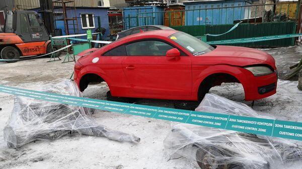 Радиоактивные автозапчасти из Японии в порту Владивостока