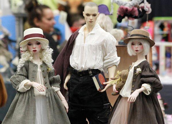 Авторские куклы Юлии Южаковой на международном весеннем балу авторских кукол в выставочно-презентационном комплексе T-Modul в Москве