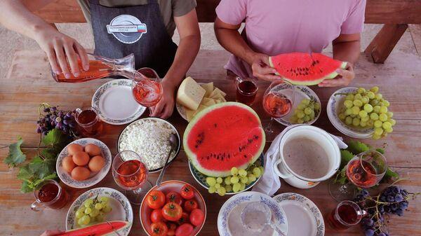 Завтрак на Кубани, снято в винодельческом хозяйстве
