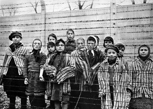 Дети, заключенные концентрационного лагеря Освенцим