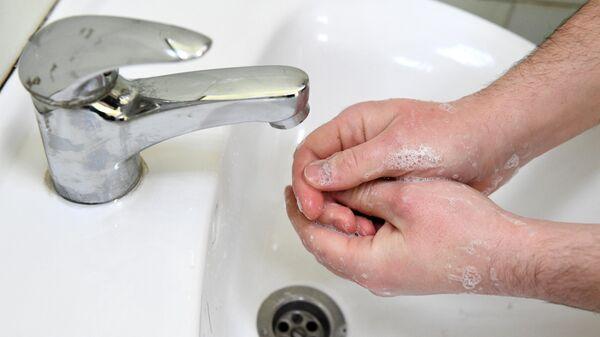 Дерматологи дали советы по использованию мыла и антисептиков при пандемии