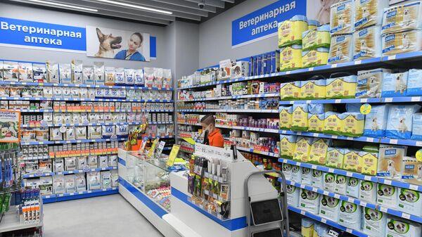 Ветеринарная аптека в одном из зоомагазинов сети Четыре лапы в Москве