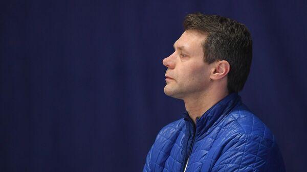 Тренер Вадим Наумов на ЧМ среди юниоров в Таллине (2020)
