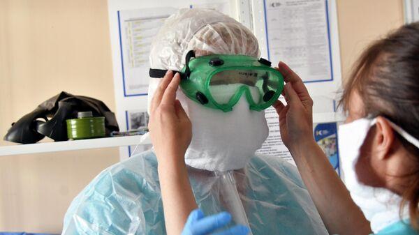 Врач городской больницы в городе Горячий Ключ в Краснодарском крае, которая перепрофилирована в госпиталь для лечения больных коронавирусом