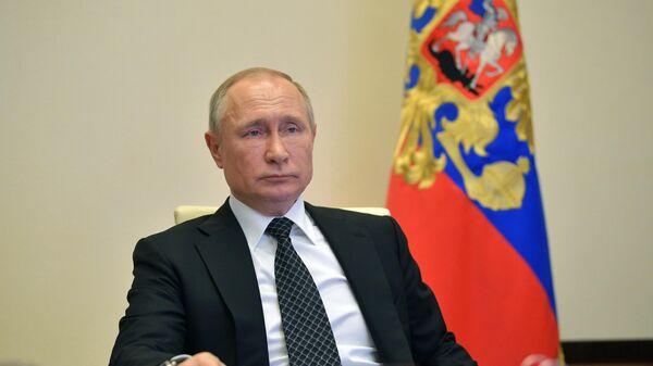 Путину доверяют 66% россиян, показал опрос