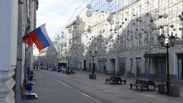 Пустая Никольская улица в Москве