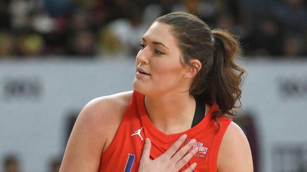 Центровая сборной США и клуба Женской национальной баскетбольной ассоциации (WNBA) Чикаго Скай Стефани Долсон