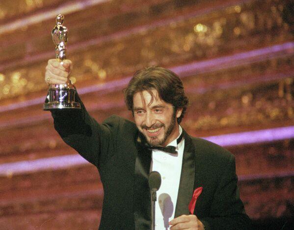 Актер Аль Пачино, получивший Оскар, как лучший актер, за роль в фильме Запах женщины