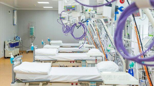 Палата для пациентов в коронавирусном стационаре на базе медцентра Московского государственного университета