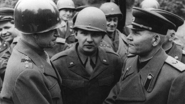 Конев и Брэдли во время встречи на Эльбе в штабе 1-го Украинского фронта.