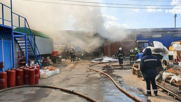 Ликвидация возгорания в районе Рязановского шоссе в Новой Москве