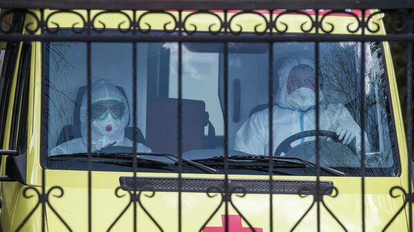 Автомобиль скорой помощи на территории ФМБА в Химках