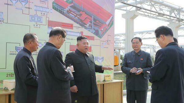 Ким Чен Ын на церемонии 1 мая