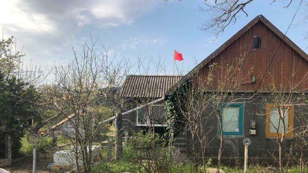 В Одесской области мужчина вывесил у себя над домом советский флаг