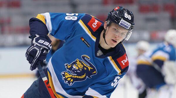 Защитник хоккейного клуба Сочи Анатолий Елизаров