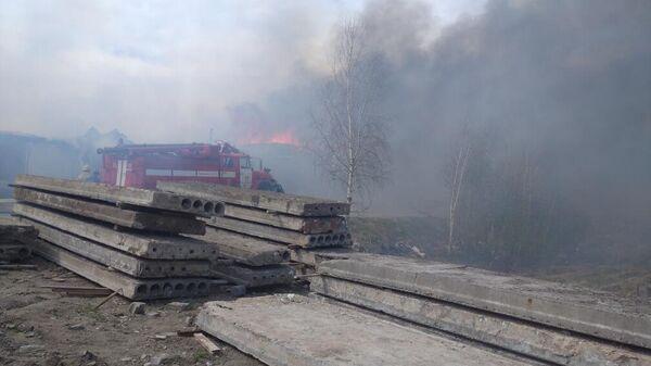 Пожар в здании гаражного бокса в городе Краснокамск Пермского края