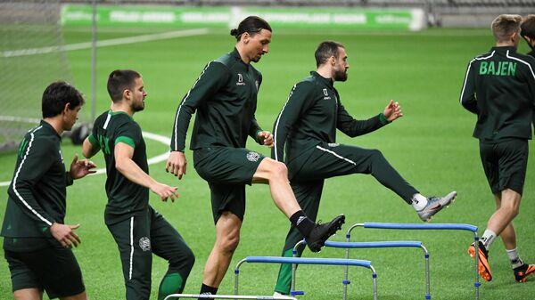 Футболисты и сотрудники Милана