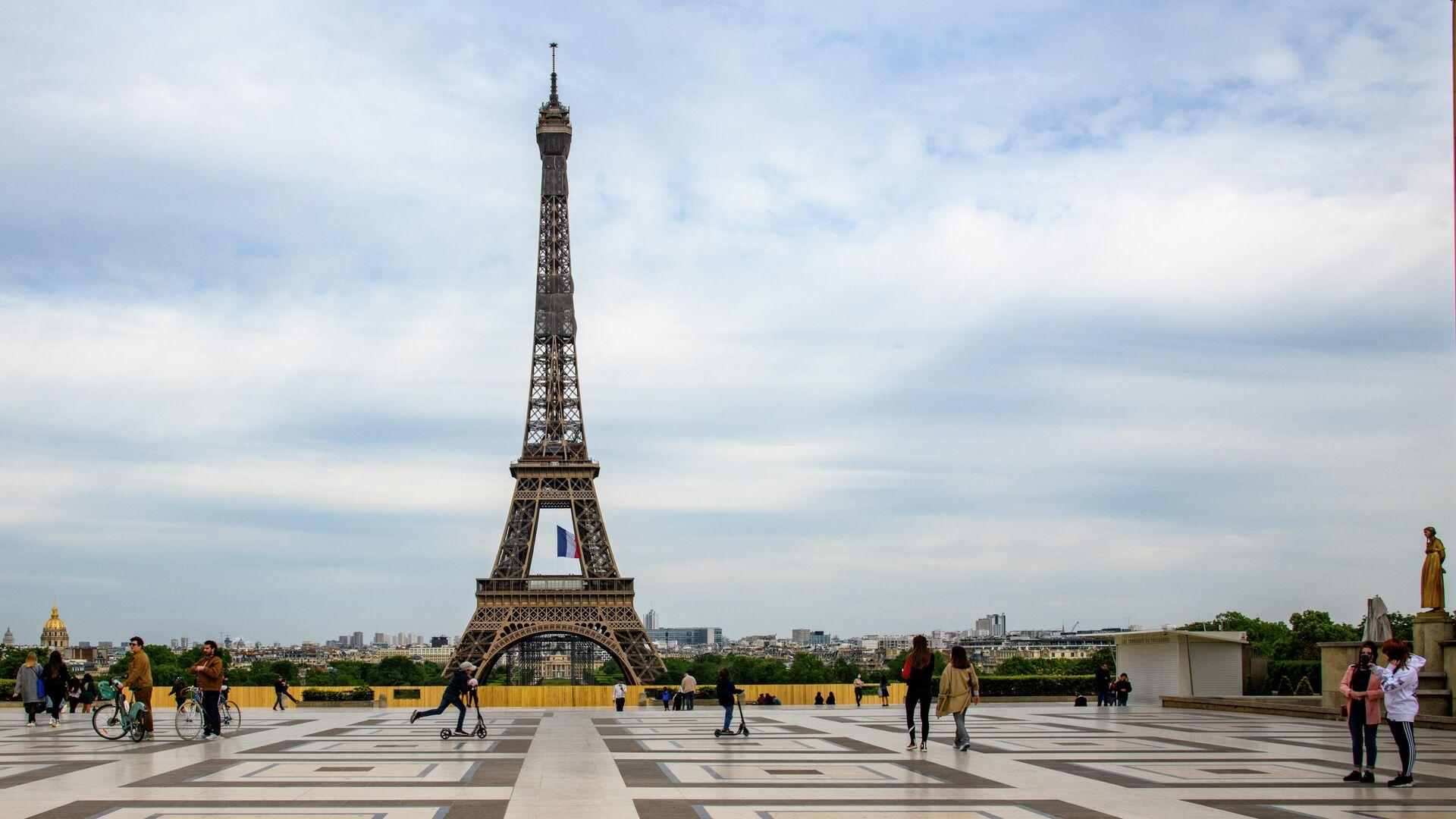 Площадь Трокадеро и Эйфелева башня в Париже - РИА Новости, 1920, 11.09.2020