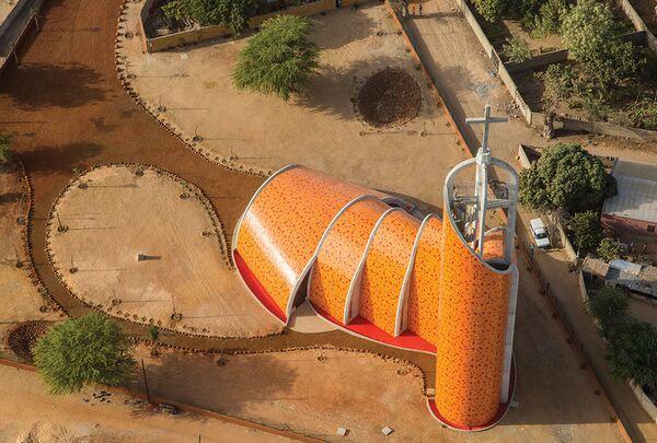 Церковь в Ньянене. Ньянен, Сенегал. IN SITU Architecture , номинация New Facilities