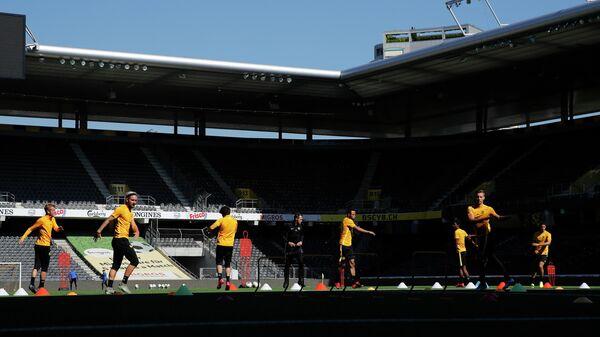 Игроки ФК Янг Бойз во время тренировки