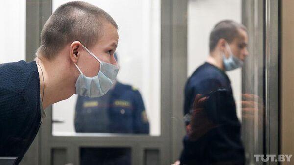 Станислав и Илья Костевы в зале суда