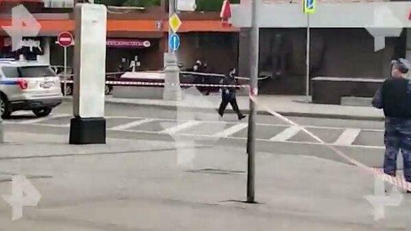 Появилось видео с места захвата заложников в центре Москвы