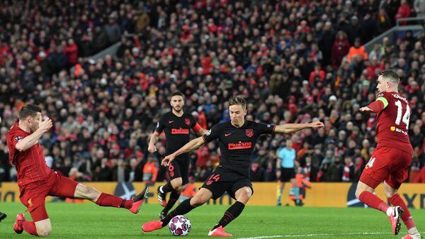 Игровой момент матча Ливерпуль - Атлетико