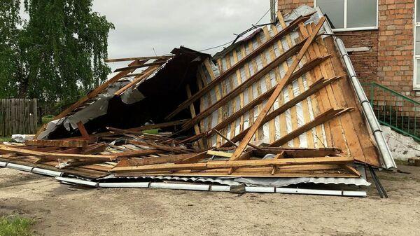 Последствия штормового ветра в районном центре Каратузское Красноярского края