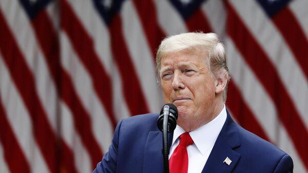 Президент США Дональд Трамп во время брифинга в Вашингтоне